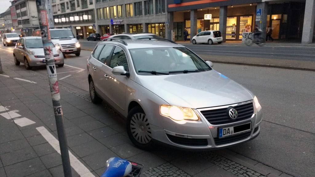 Auf der Rheinstraße stehen sie besonders gern im Weg